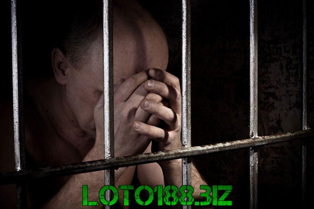 Mộng thấy người thân đi tù có sao không?