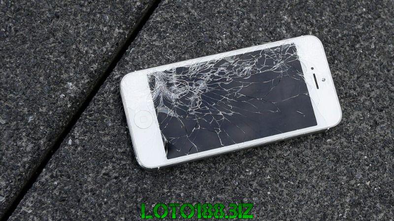 Mơ thấy điện thoại bị vỡ nát có sao không?