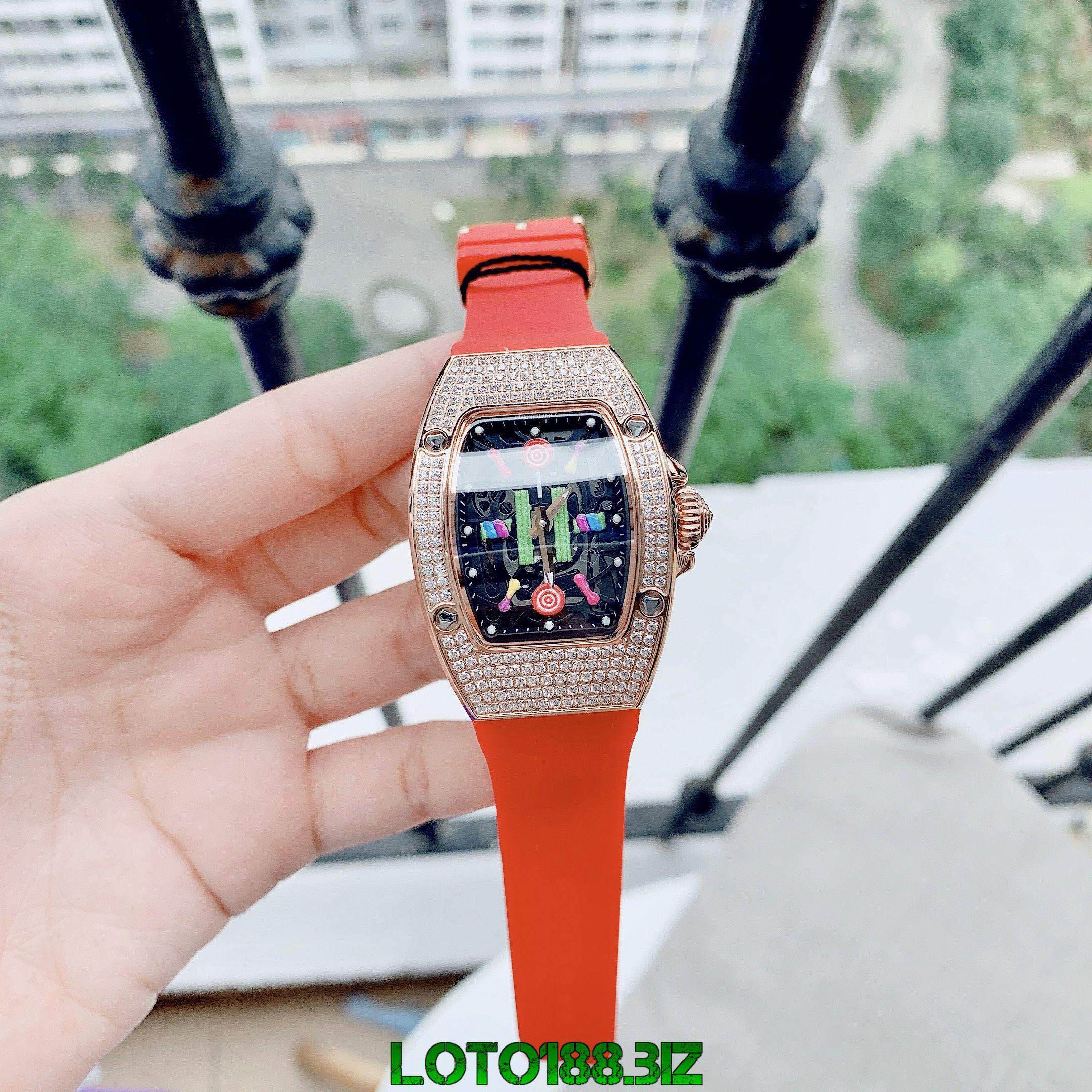 Giấc mộng thấy đồng hồ được chỉnh giờ